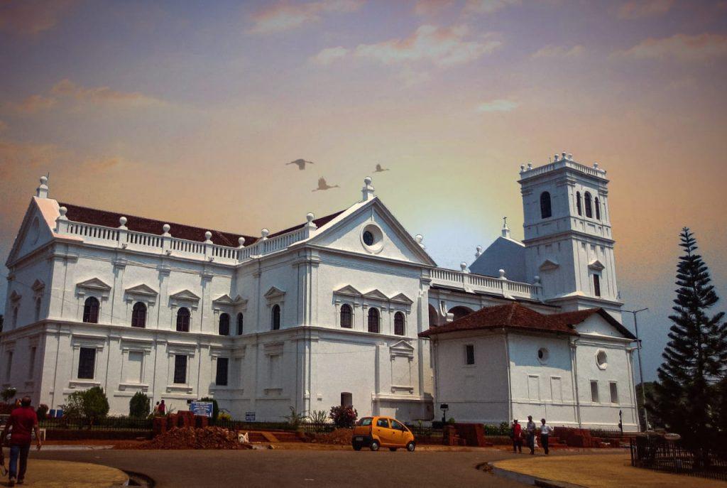 Goa-Basilica-of-Bom-Jesus-Church