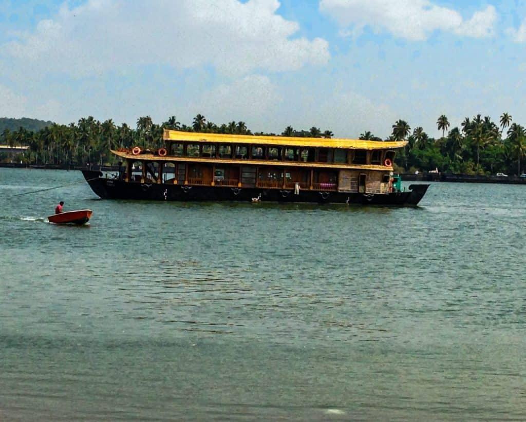 Goa-Mandovi-River-Backwater-Cruise