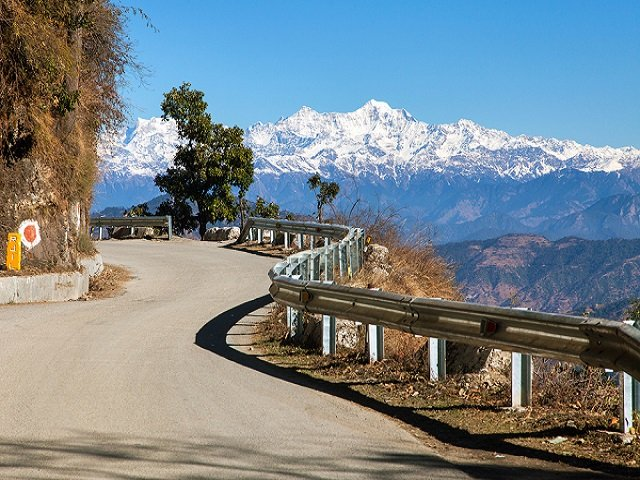 Beautiful view of Himalayan ranges in Mussoorie and Best Visiting places