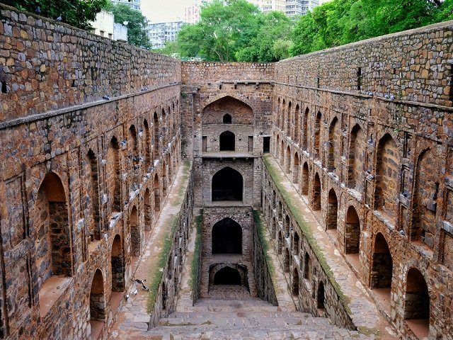 Agrasen Ki Bawri or Baori, Mysterious place in Delhi- a top Tourist attraction