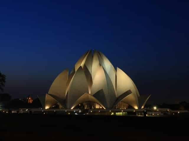 Lotus Temple- Best visiting place in Delhi